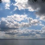 Auch so kann es auf der Müritz aussehen. Aber meistens sind die Wolken schnell weggeweht und die Sonne kommt wieder zum Vorschein