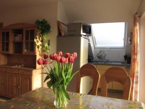 Essplatz mit Blick auf Küche